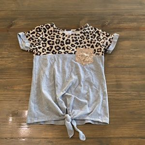 Leopard print and sequin pocket shirt. Size XL/5